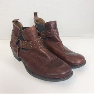 BOC brown leather ankle booties size 10